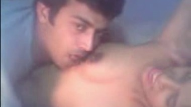 Desi Indian couple on heat and oral sex