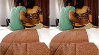 Today Exclusive-Desi Cpl Romance In Hotel Par...
