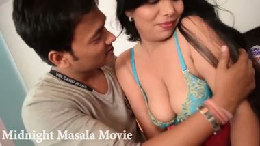 Hindi big boobs aunty porn video with a call boy.
